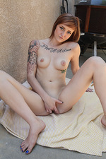 Kylie Cyrus Sexy Tattooed Amateur Chick 12