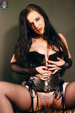 Gorgeous Goth In Corset 09