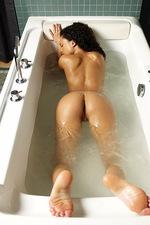 Gabriella Bathing 11