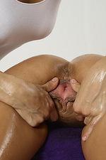 Dominika Yoni Massage  05