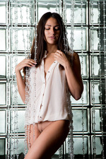 Cira Nerri Shows An Erotic Striptease 00