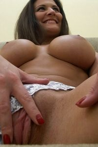 Amateur babe pulls out her big tits