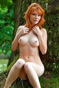 Mia S - Nude In The Woods