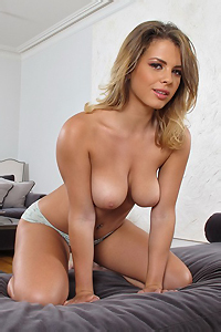 Keisha Grey Playing Herlsef