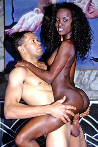 Lacey DuValle And Mocha Riding