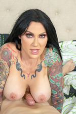 Tattooed MILF Jenevieve Hexxx Getting Wild 05